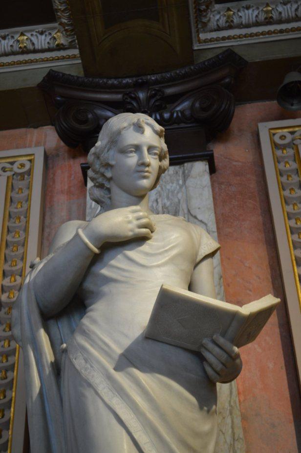 museum_statue_women_reading_marble_sculpture_reader_books.jpg